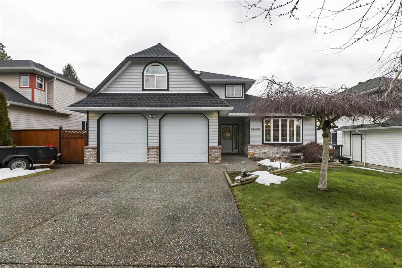 Main Photo: 27017 26A Avenue in Langley: Aldergrove Langley House for sale : MLS®# R2430545