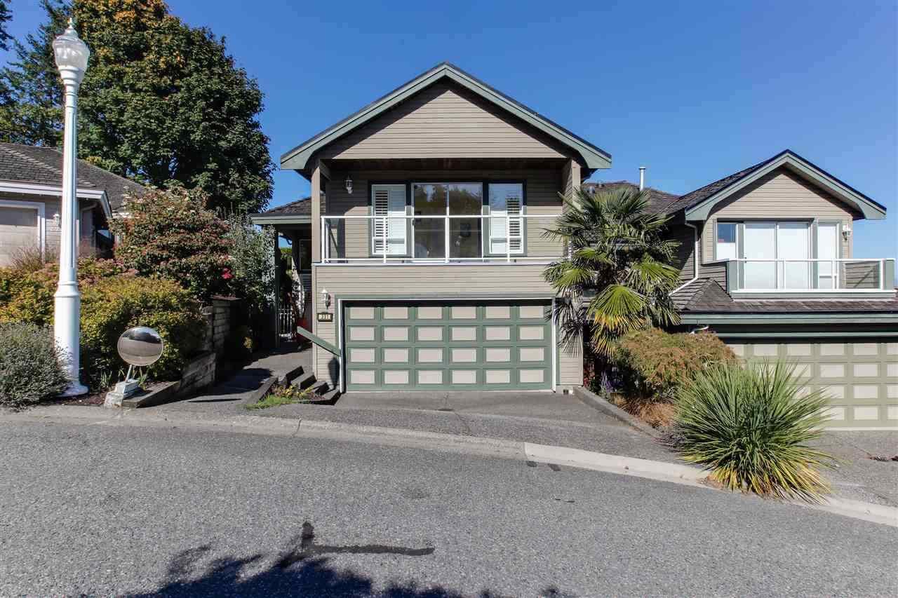 "Main Photo: 231 MORNINGSIDE Drive in Delta: Pebble Hill House for sale in ""ROSEHILL WYND"" (Tsawwassen)  : MLS®# R2449242"