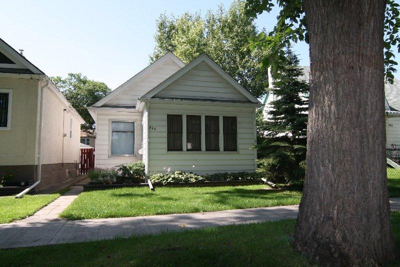 Photo 2: Photos: 956 Ashburn St./West End in Winnipeg: West End / Wolseley Single Family Detached for sale (West Winnipeg)  : MLS®# 2915096