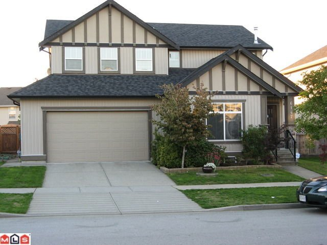Main Photo: 6147 167B ST in Surrey: House for sale : MLS®# F1025105