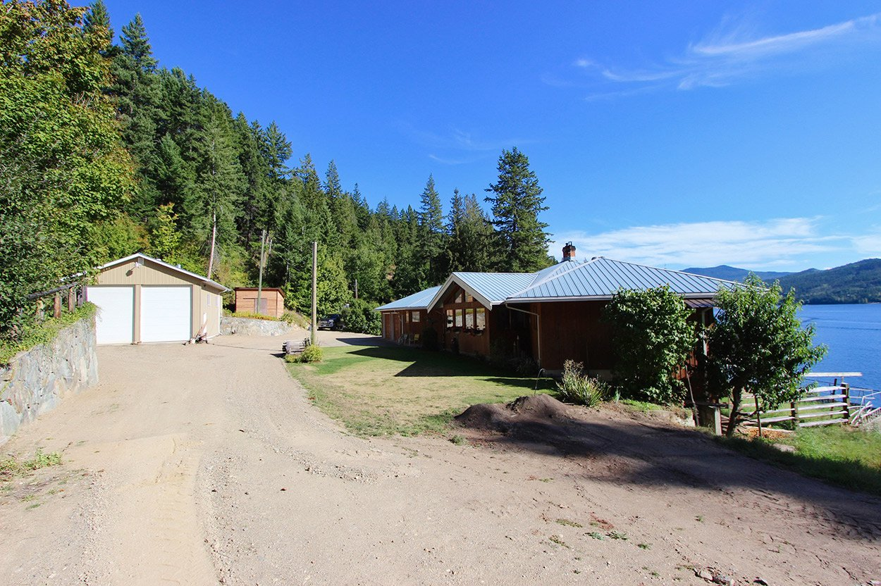 Photo 5: Photos: 2601 Rawson Road in Adams Lake: House for sale : MLS®# 10201928