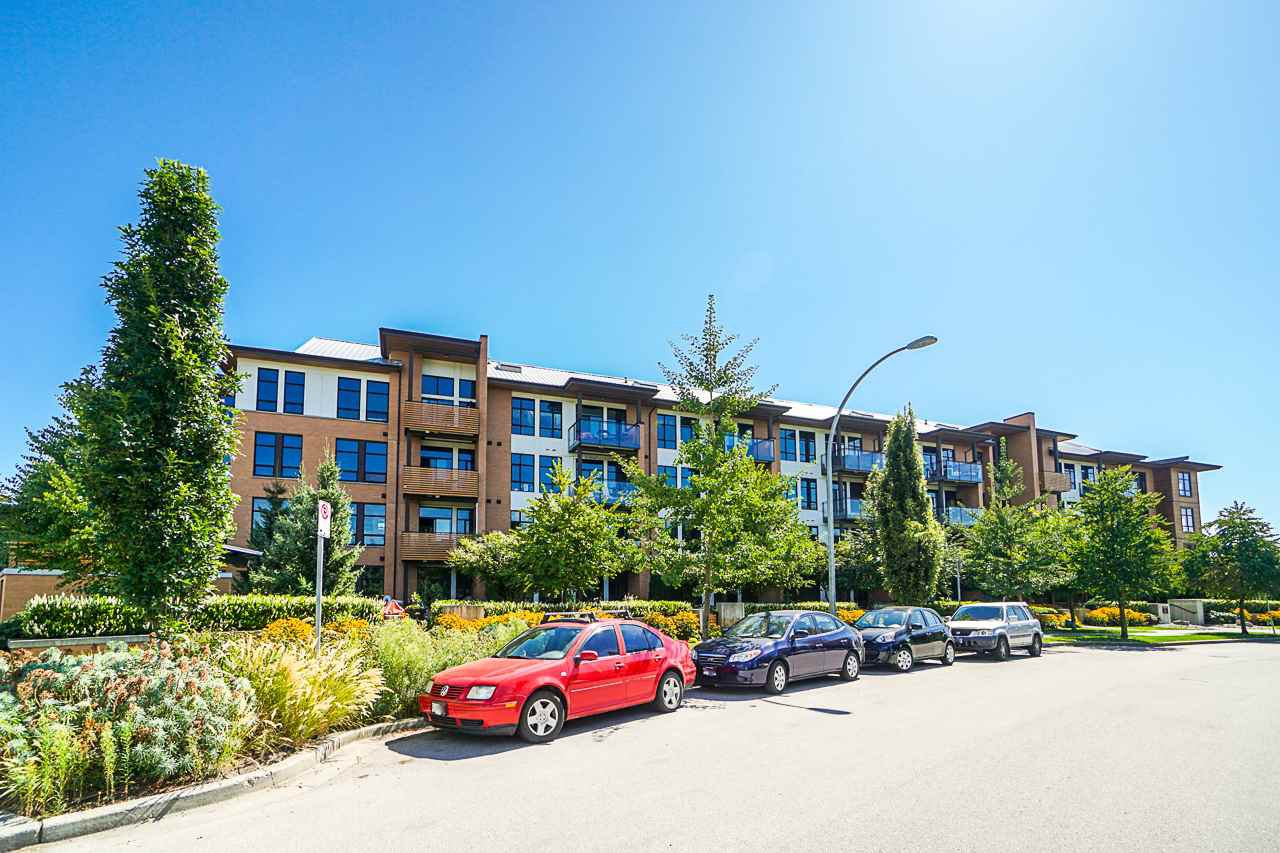"Main Photo: 205 220 SALTER Street in New Westminster: Queensborough Condo for sale in ""GLASSHOUSE LOFTS"" : MLS®# R2412072"