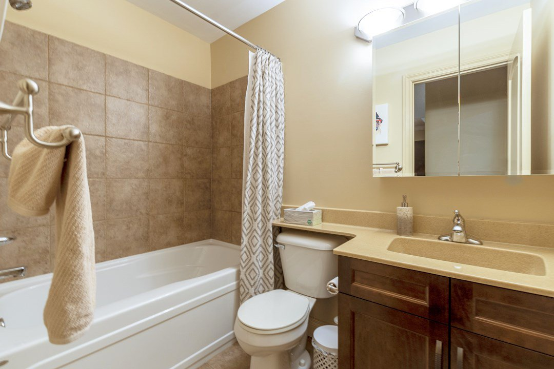 Photo 9: Photos: 407 8631 108 Street in Edmonton: Zone 15 Condo for sale : MLS®# E4182004