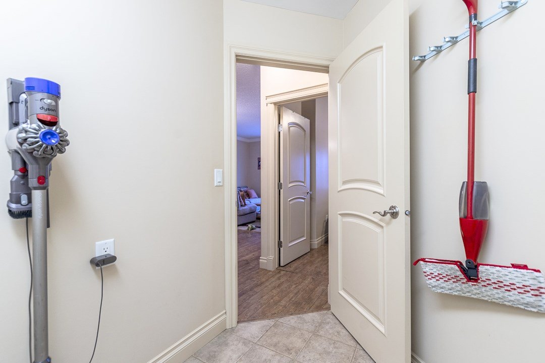 Photo 15: Photos: 407 8631 108 Street in Edmonton: Zone 15 Condo for sale : MLS®# E4182004