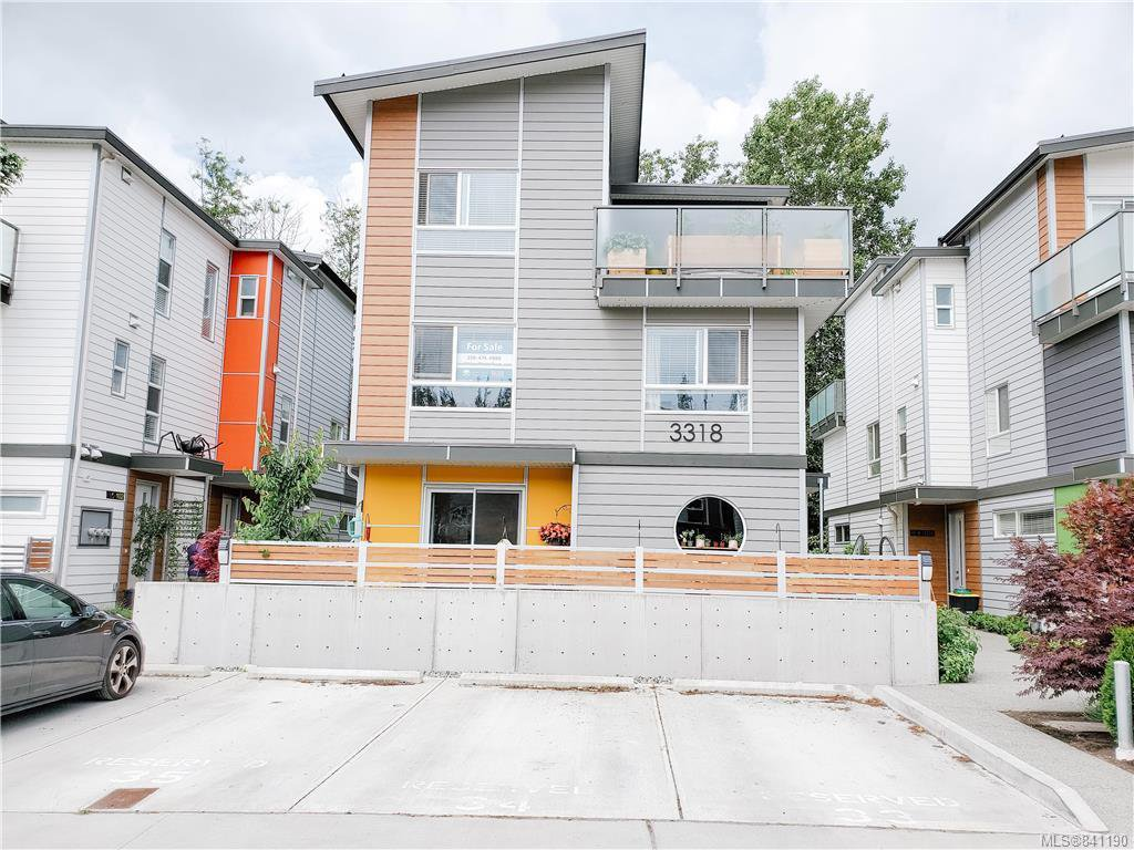 Main Photo: 102 3318 Radiant Way in Langford: La Happy Valley Row/Townhouse for sale : MLS®# 841190