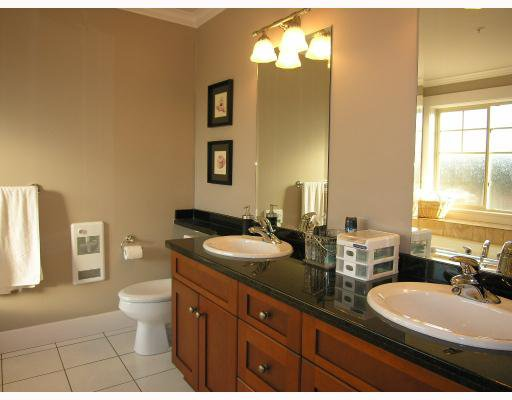 Photo 7: Photos: 253 E 13TH Avenue in Vancouver: Mount Pleasant VE Townhouse for sale (Vancouver East)  : MLS®# V676746