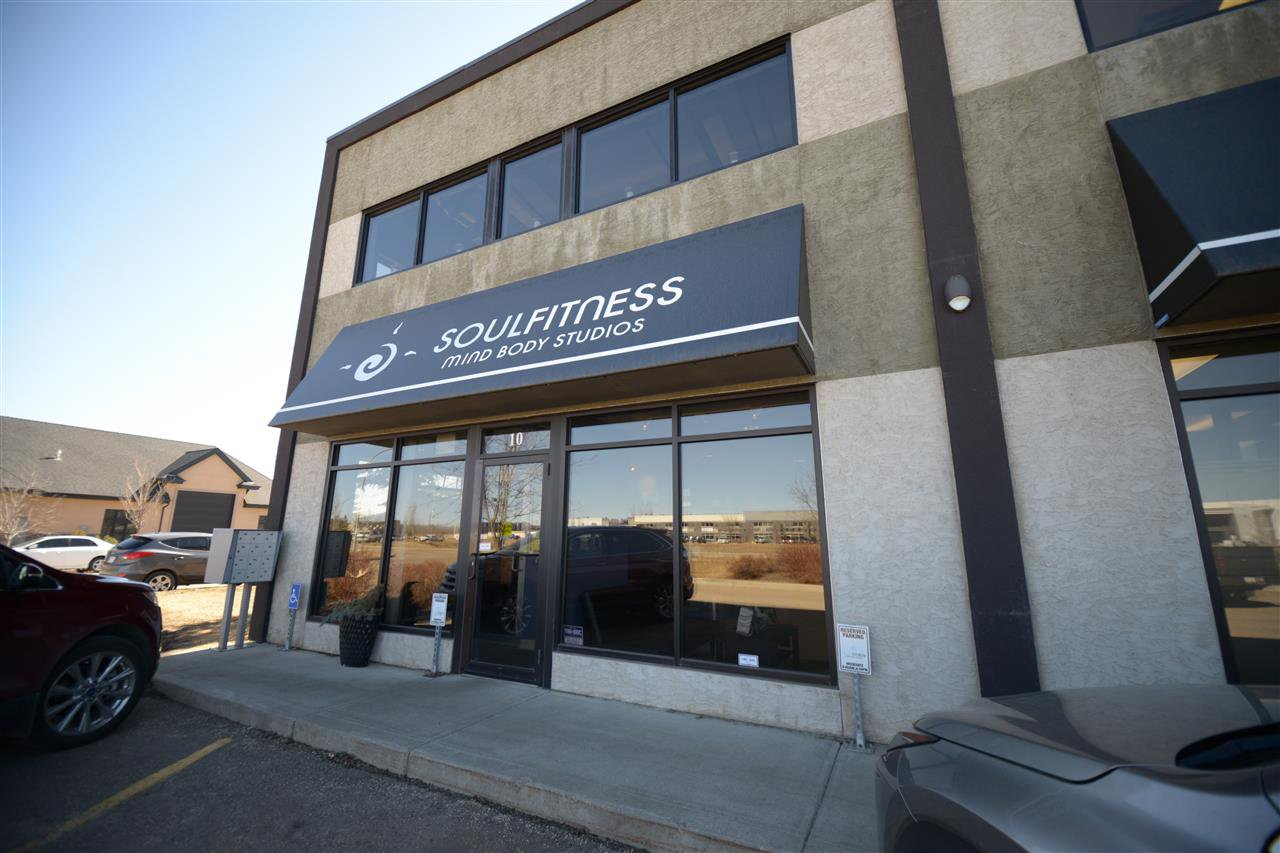 Main Photo: 10 20 Circle Drive: St. Albert Business with Property for sale : MLS®# E4167839