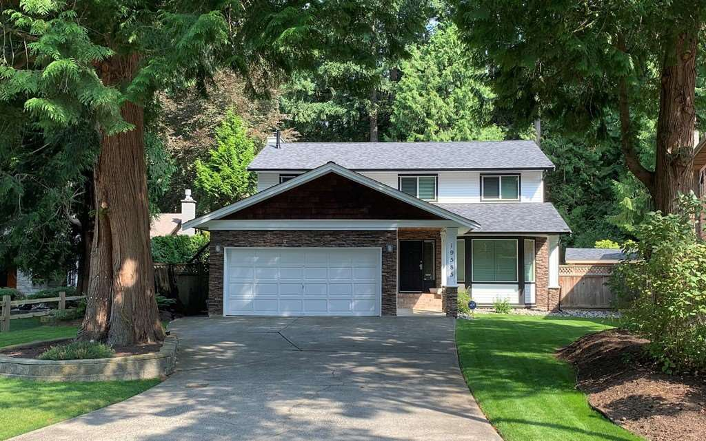 Main Photo: 19585 45A Avenue in Surrey: Cloverdale BC House for sale (Cloverdale)  : MLS®# R2437657