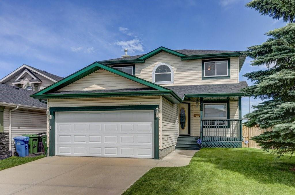 Main Photo: 329 HIDDEN VALLEY Place NW in Calgary: Hidden Valley Detached for sale : MLS®# C4305707