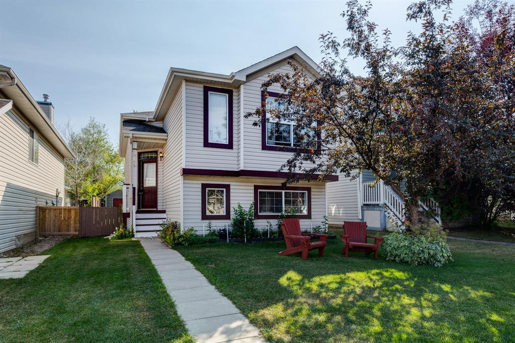Main Photo: 169 BRIDLEGLEN Road SW in Calgary: Bridlewood Detached for sale : MLS®# A1031006