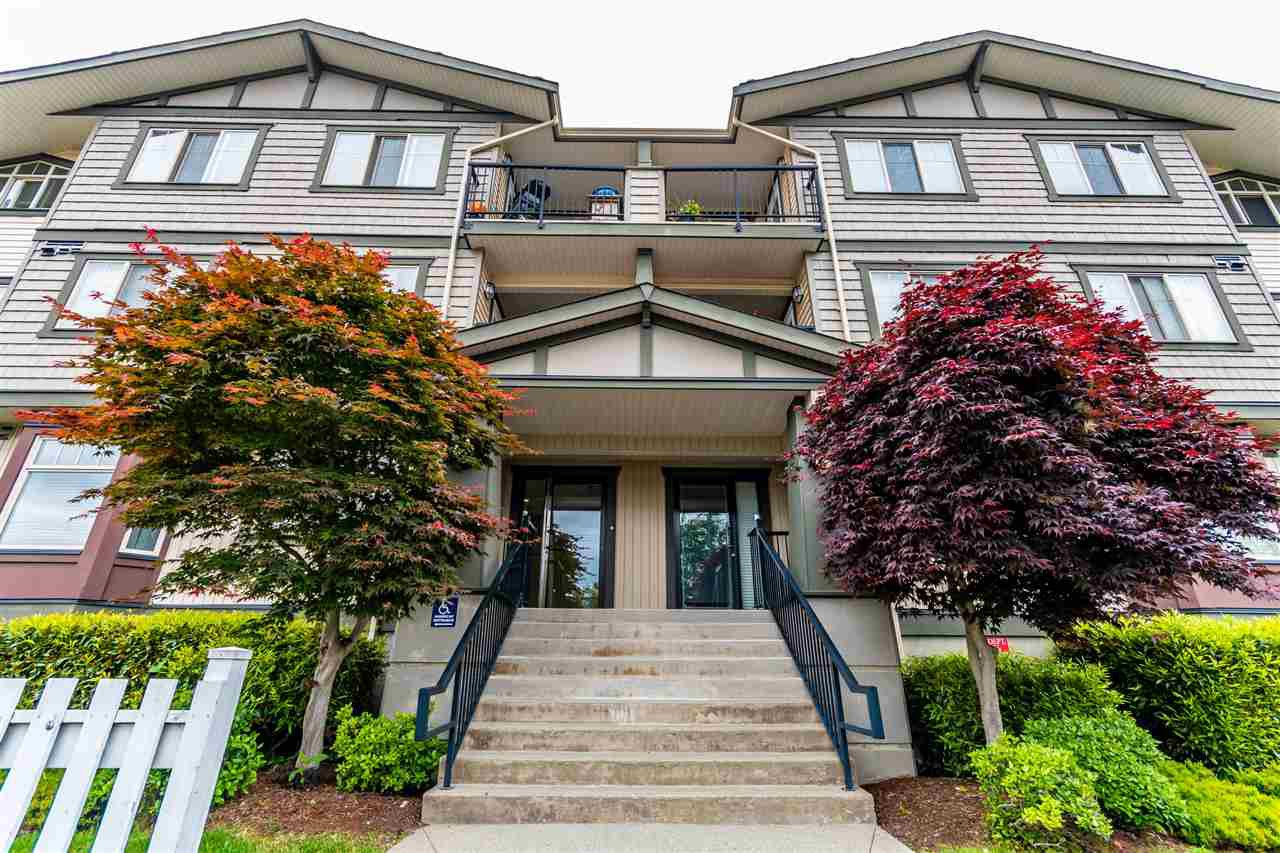 Main Photo: 306 45535 SPADINA Avenue in Chilliwack: Chilliwack W Young-Well Condo for sale : MLS®# R2496547
