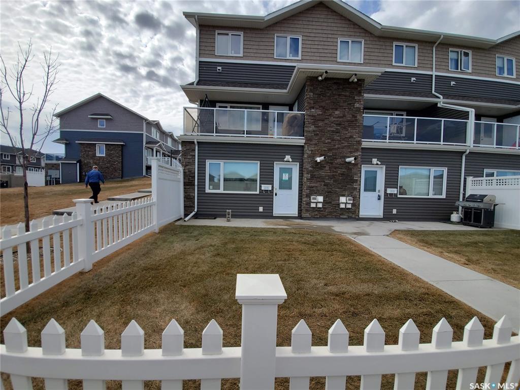Main Photo: 215 275 Pringle Lane in Saskatoon: Stonebridge Residential for sale : MLS®# SK831975