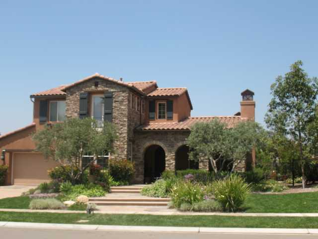 Main Photo: EAST ESCONDIDO House for sale : 5 bedrooms : 2740 Vistamonte in Escondido