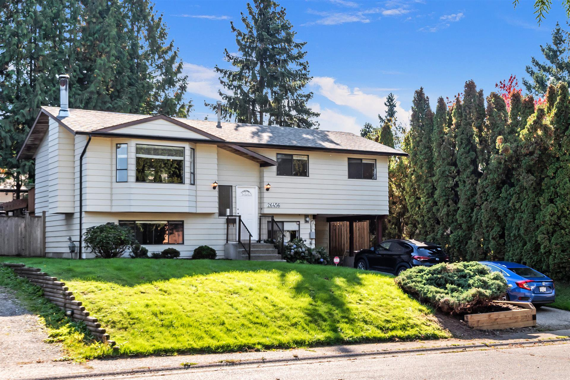 Main Photo: 26456 30A Avenue in Langley: Aldergrove Langley House for sale : MLS®# R2413273