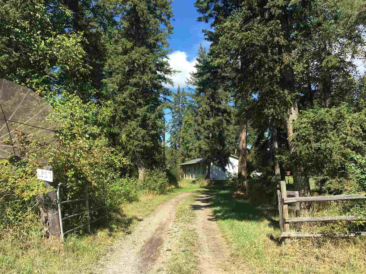 Photo 2: Photos: 4257 WHITECOTTON Road in Quesnel: Quesnel Rural - South Manufactured Home for sale (Quesnel (Zone 28))  : MLS®# R2479677