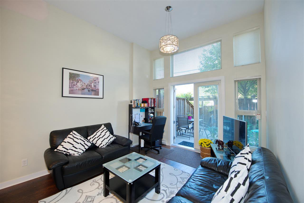 "Main Photo: 102 3688 INVERNESS Street in Vancouver: Knight Condo for sale in ""Charm"" (Vancouver East)  : MLS®# R2488351"