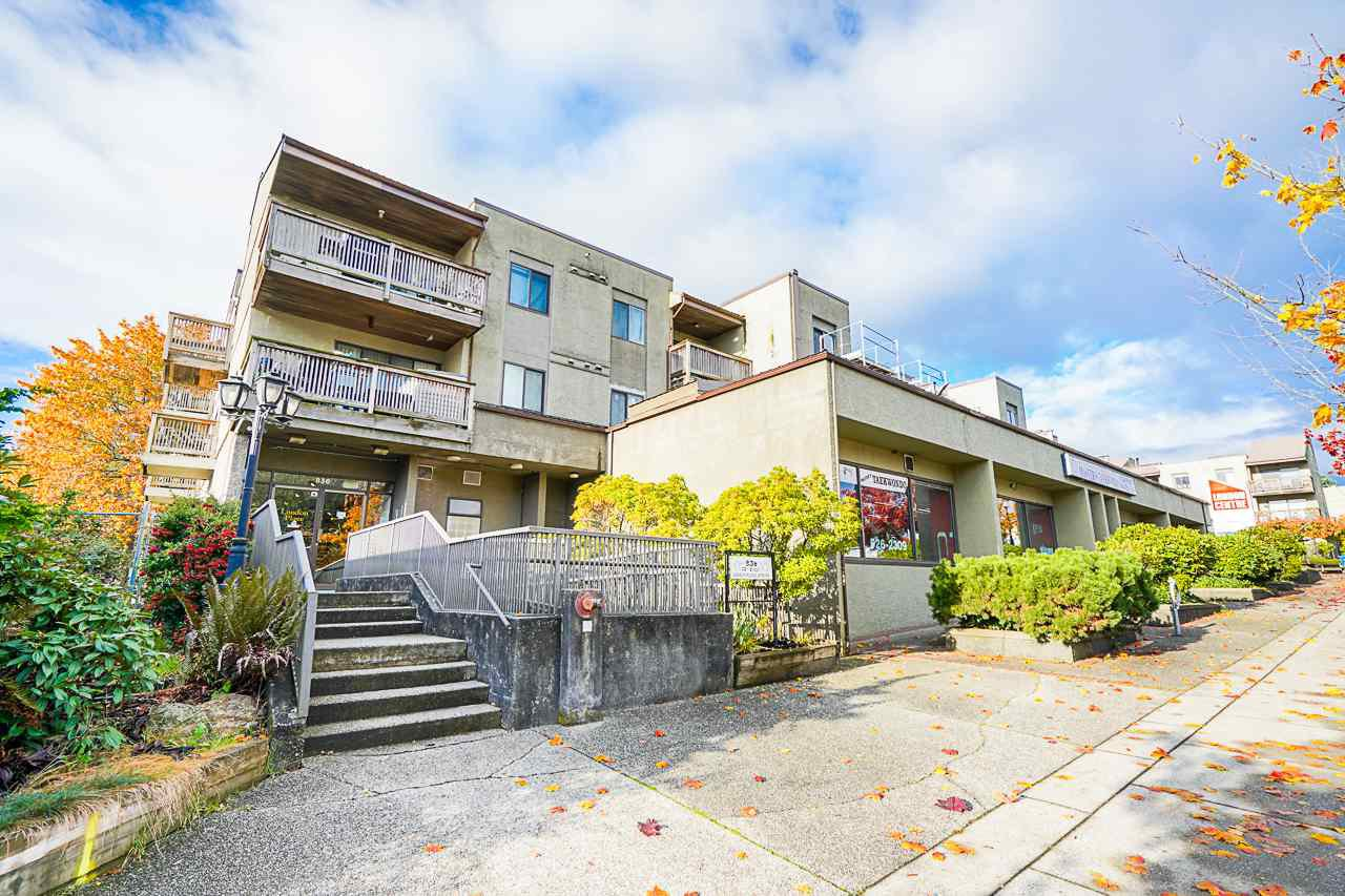 "Main Photo: 103 836 TWELFTH Street in New Westminster: West End NW Condo for sale in ""LONDON PLACE"" : MLS®# R2513302"