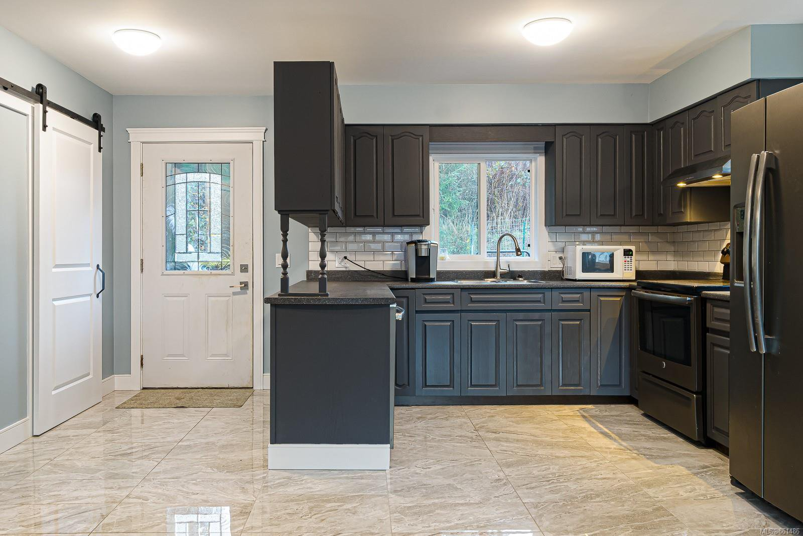 Main Photo: 7657 S Island Hwy in : CV Union Bay/Fanny Bay House for sale (Comox Valley)  : MLS®# 861486