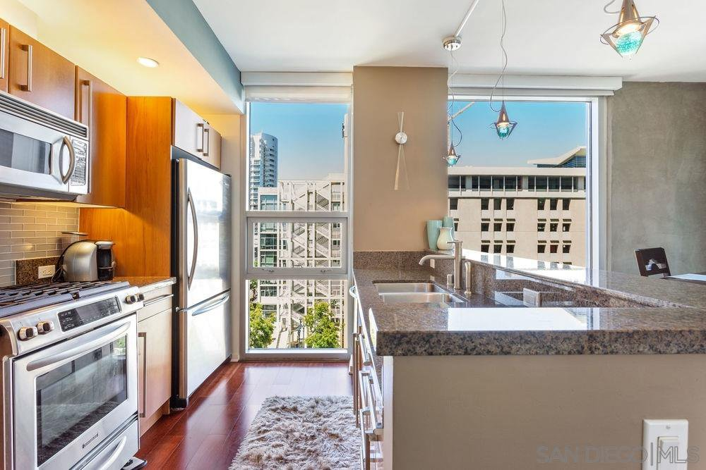 Main Photo: DOWNTOWN Condo for sale : 2 bedrooms : 321 10Th Ave #701 in San Diego