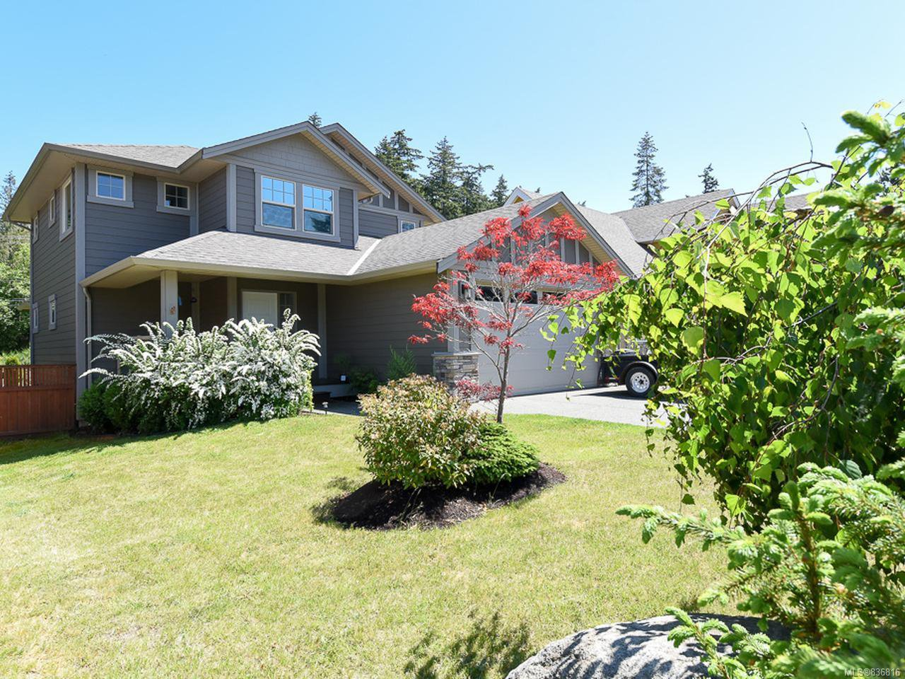 Main Photo: 350 Forester Ave in COMOX: CV Comox (Town of) House for sale (Comox Valley)  : MLS®# 836816