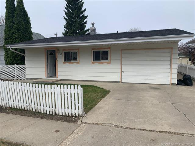 Main Photo: 235 5 Avenue in Three Hills: Residential for sale : MLS®# CA0193538