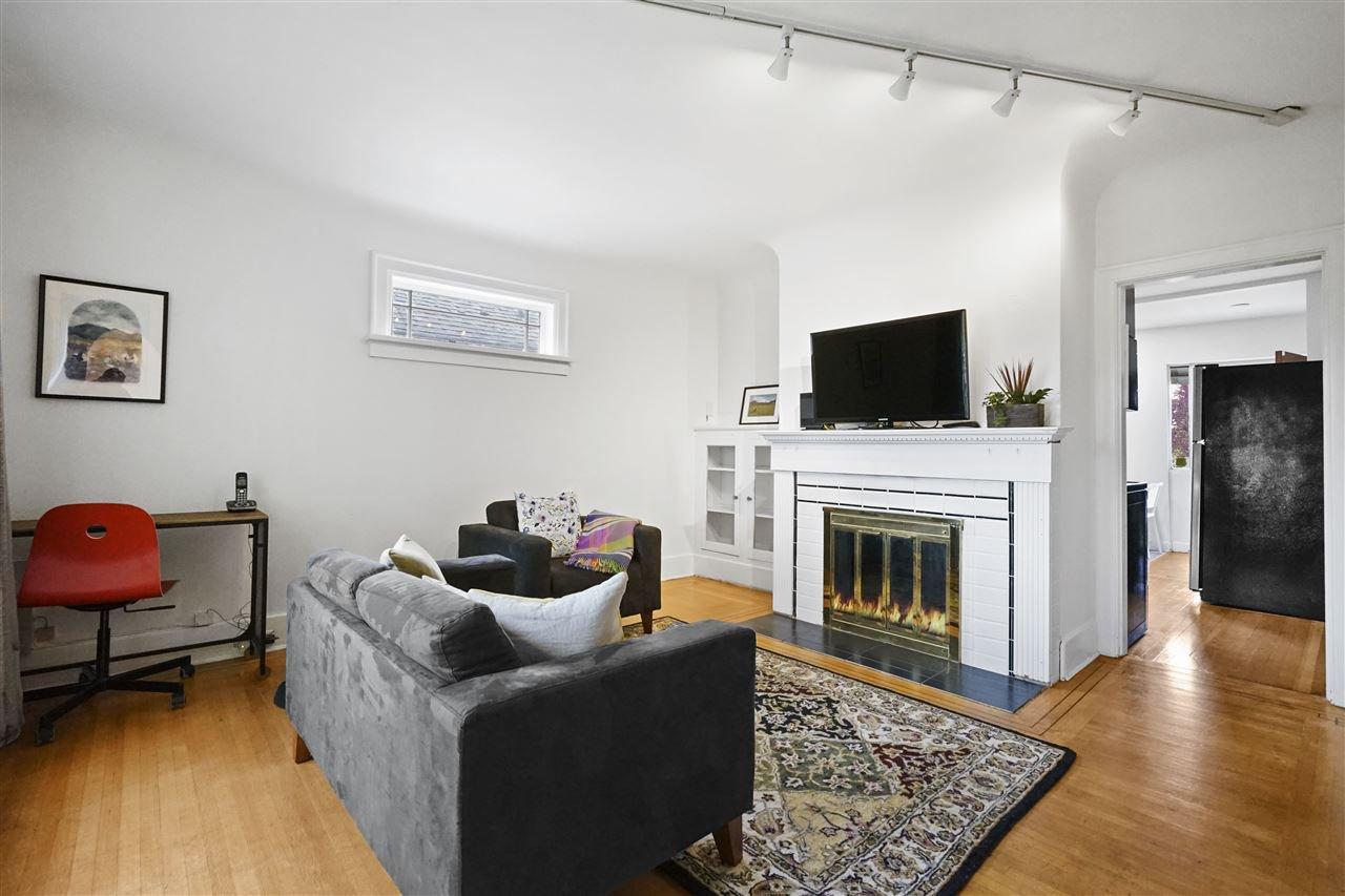 Main Photo: 725 SKEENA Street in Vancouver: Renfrew VE House for sale (Vancouver East)  : MLS®# R2474056