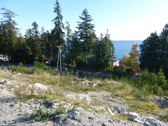 Photo 3: Photos: LOT B BARNACLE Place in Sechelt: Sechelt District Land for sale (Sunshine Coast)  : MLS®# R2515549