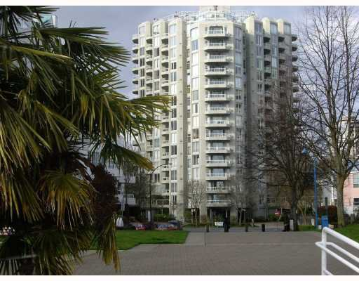 "Main Photo: 1204 1135 QUAYSIDE Drive in New Westminster: Quay Condo for sale in ""ANCHOR POINTE"" : MLS®# V796798"