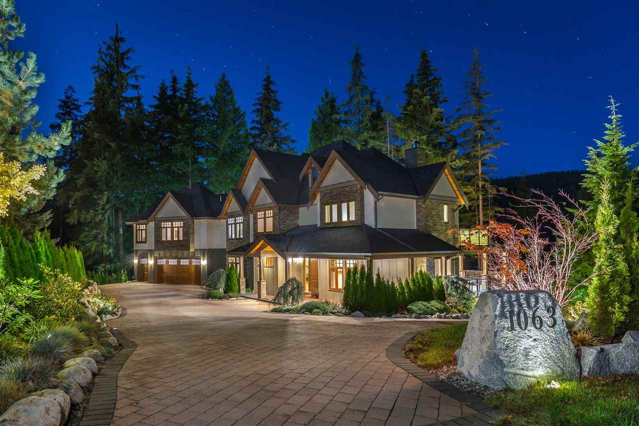 Main Photo: 1063 SUGAR MOUNTAIN Way in Port Moody: Anmore House for sale : MLS®# R2419527