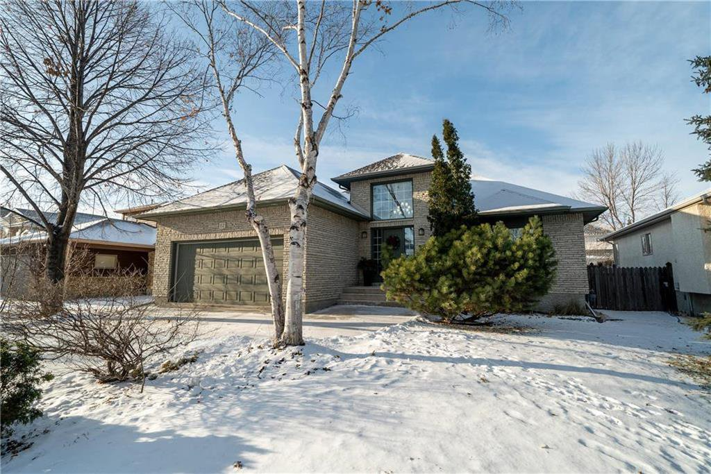 Main Photo: 62 Ravine Drive in Winnipeg: River Pointe Residential for sale (2C)  : MLS®# 1932047