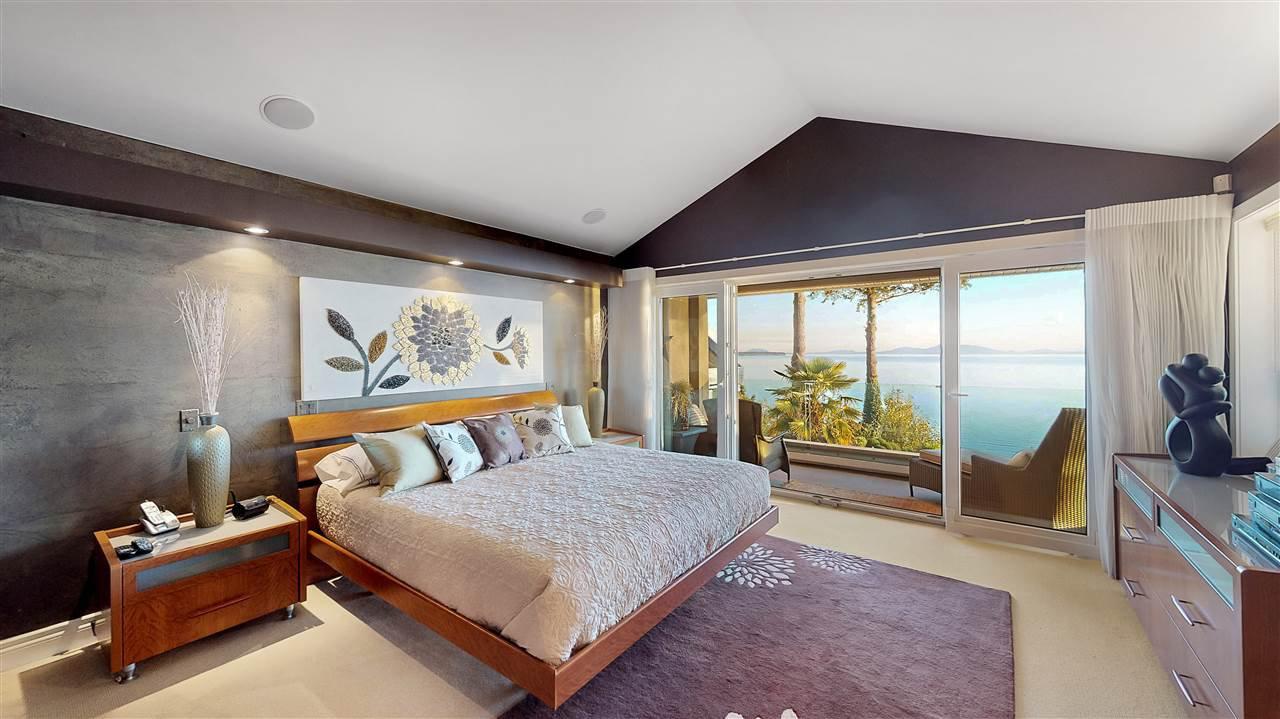 Main Photo: 12850 13 Avenue in Surrey: Crescent Bch Ocean Pk. House for sale (South Surrey White Rock)  : MLS®# R2432932