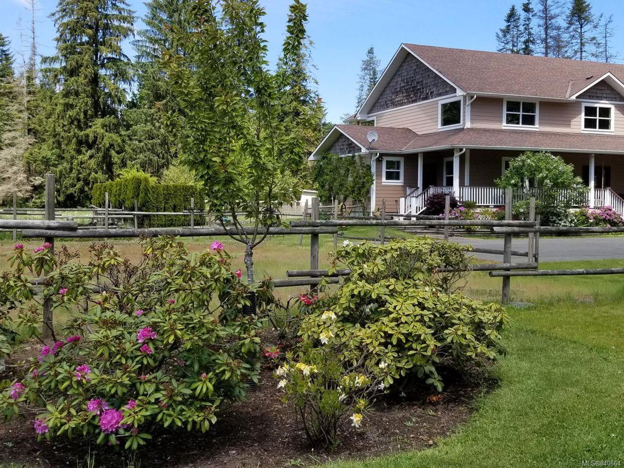 Main Photo: 3120 Dove Creek Rd in COURTENAY: CV Courtenay West Single Family Detached for sale (Comox Valley)  : MLS®# 840664