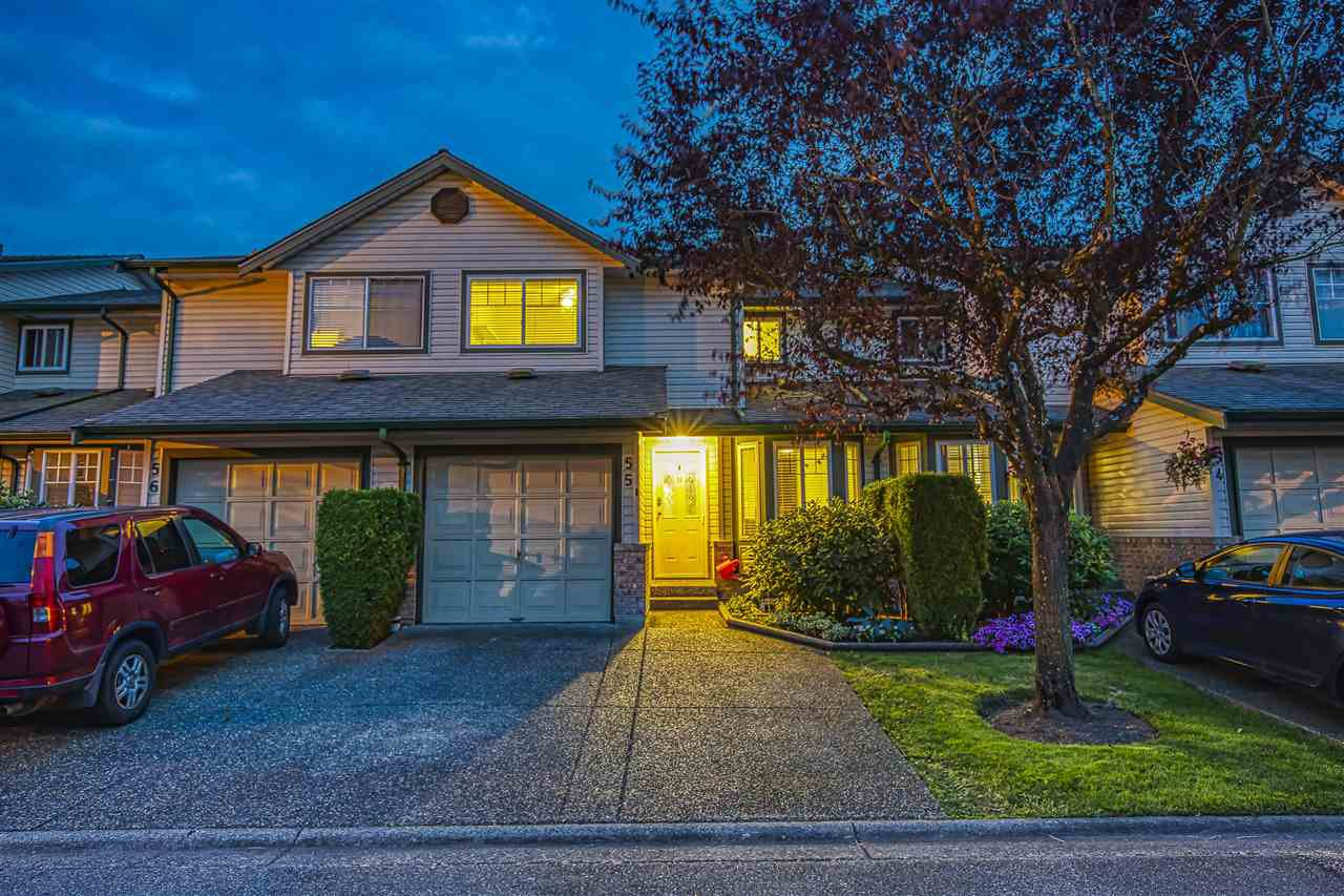 "Main Photo: 55 8863 216 Street in Langley: Walnut Grove Townhouse for sale in ""EMERALD ESTATES"" : MLS®# R2480614"