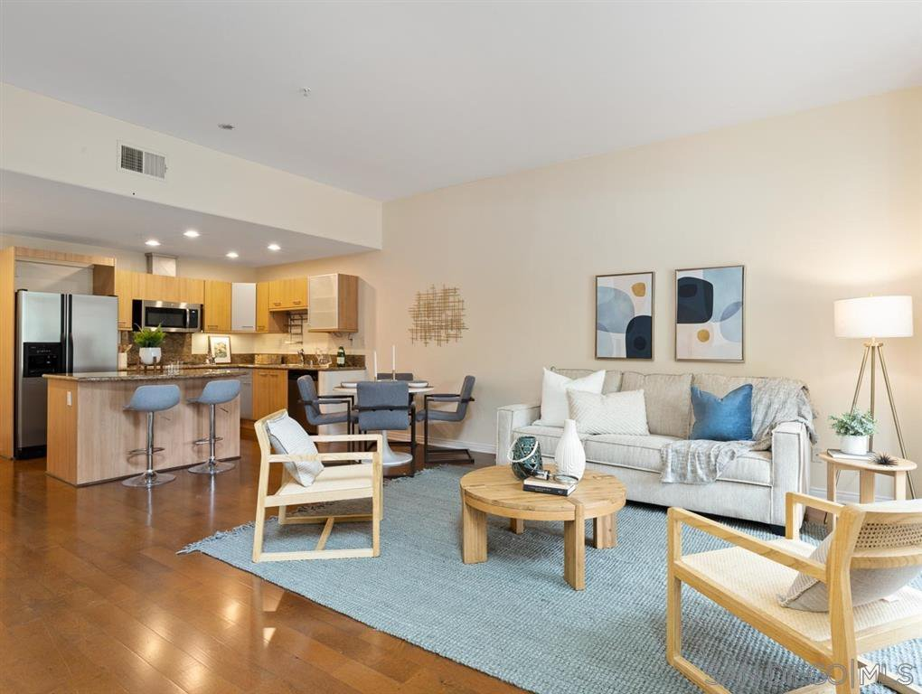 Main Photo: HILLCREST Townhome for rent : 3 bedrooms : 4067 1St Ave in San Diego