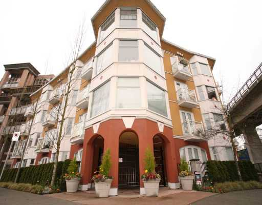 """Main Photo: 104 1562 W 5TH Avenue in Vancouver: False Creek Condo for sale in """"GRYPHON COURT"""" (Vancouver West)  : MLS®# V704834"""