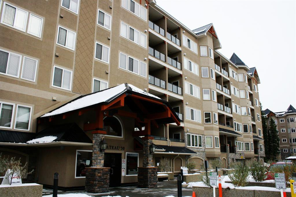 Main Photo: 224 30 DISCOVERY RIDGE Close SW in Calgary: Discovery Ridge Apartment for sale : MLS®# A1045426
