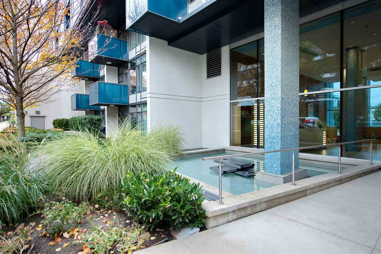 "Main Photo: 312 1777 W 7TH Avenue in Vancouver: Fairview VW Condo for sale in ""KITS360"" (Vancouver West)  : MLS®# R2528386"