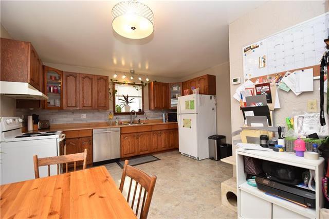Photo 7: Photos: 378 Semple Avenue in Winnipeg: West Kildonan Residential for sale (4D)  : MLS®# 1925854