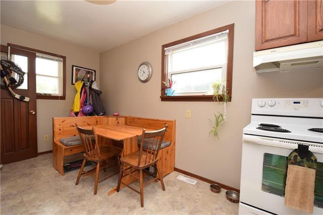 Photo 8: Photos: 378 Semple Avenue in Winnipeg: West Kildonan Residential for sale (4D)  : MLS®# 1925854