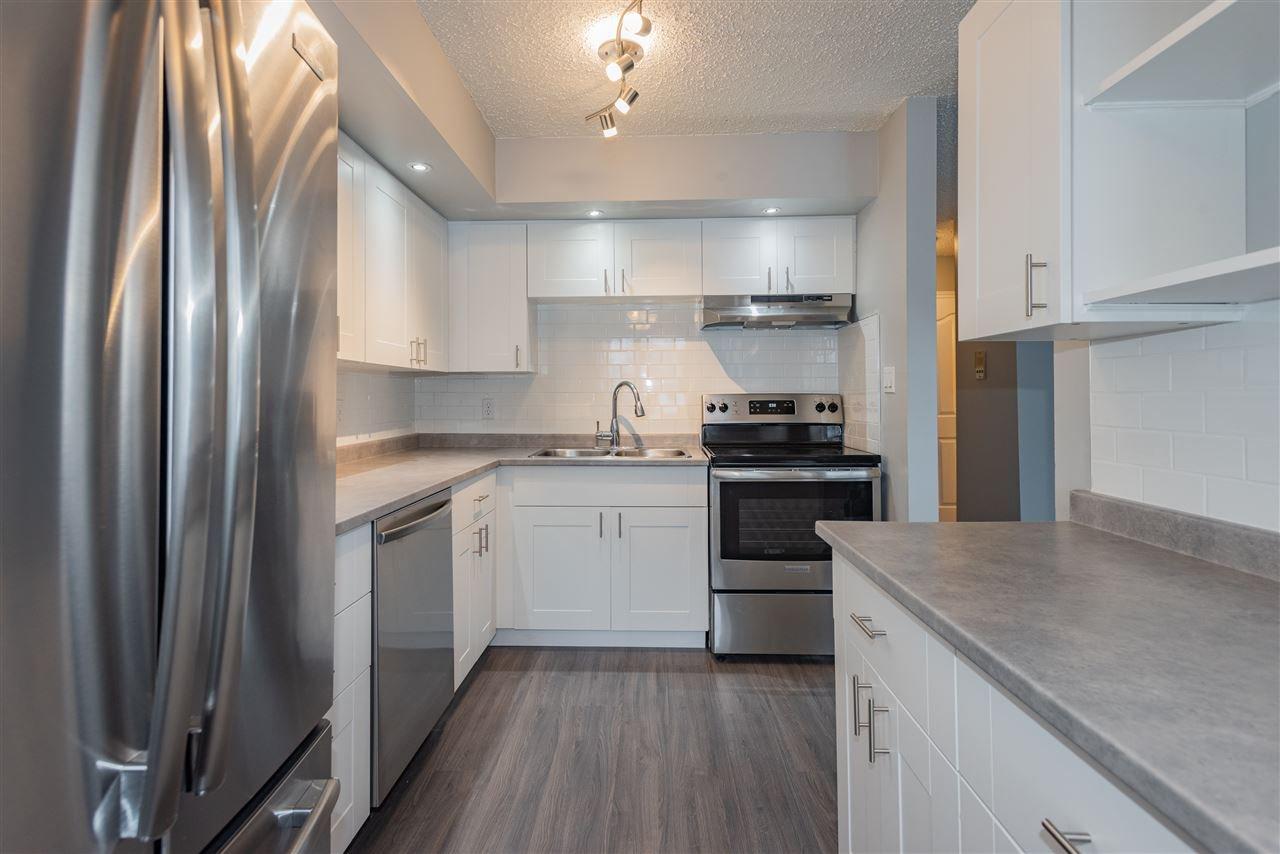 Main Photo: 115 16340 109 Street in Edmonton: Zone 27 Townhouse for sale : MLS®# E4187241