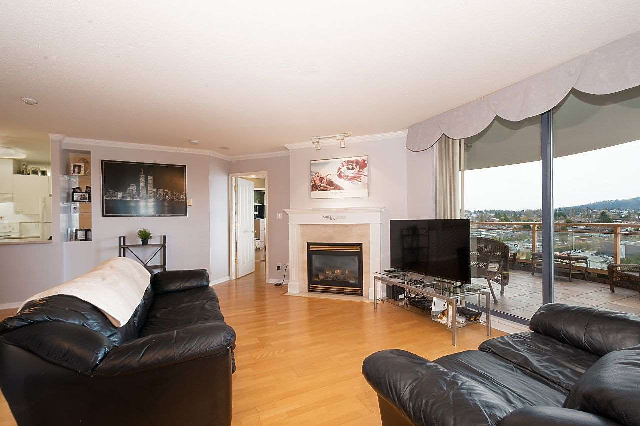 """Photo 1: Photos: 1303 4425 HALIFAX Street in Burnaby: Brentwood Park Condo for sale in """"POLARIS"""" (Burnaby North)  : MLS®# R2444632"""