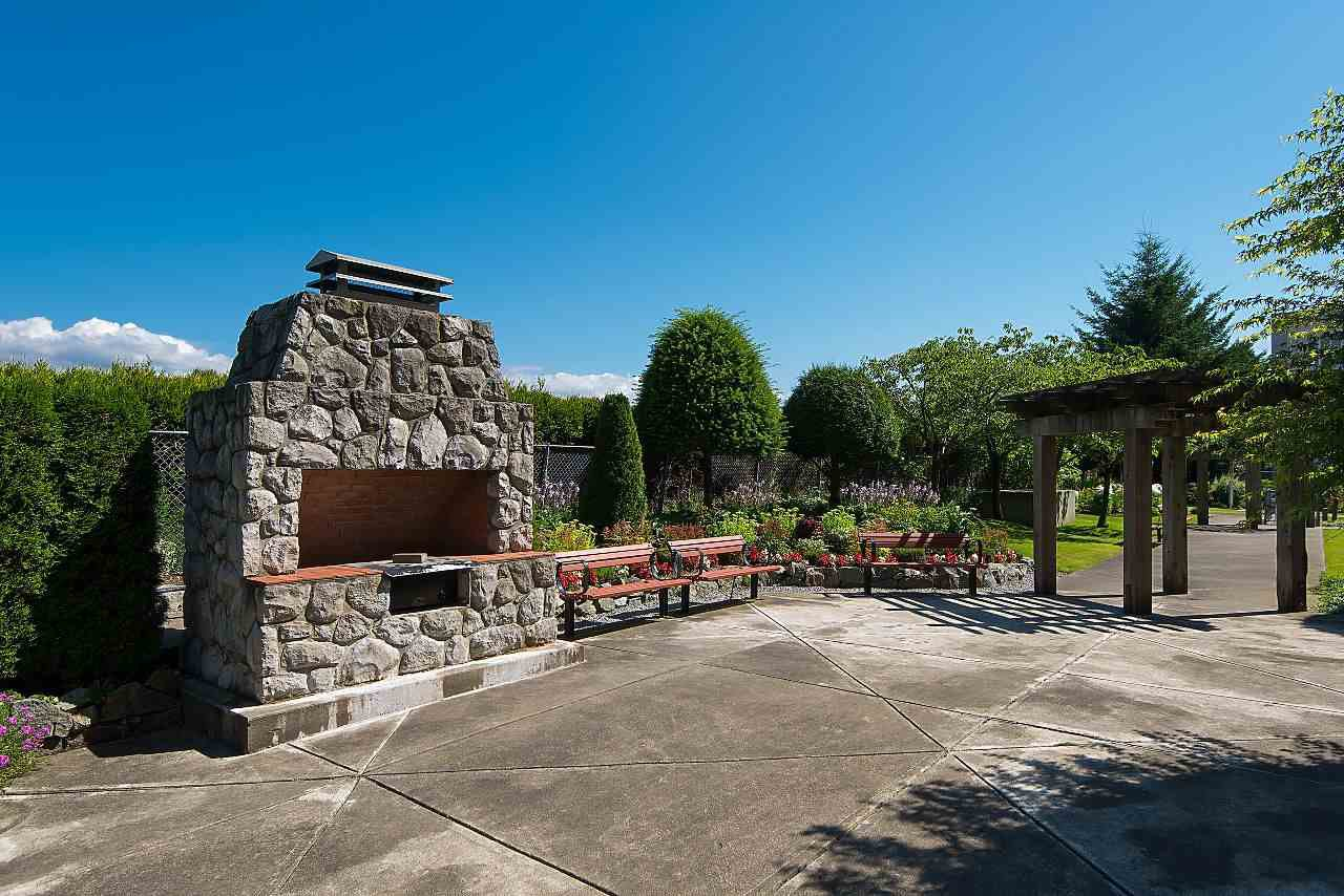 """Photo 17: Photos: 1303 4425 HALIFAX Street in Burnaby: Brentwood Park Condo for sale in """"POLARIS"""" (Burnaby North)  : MLS®# R2444632"""