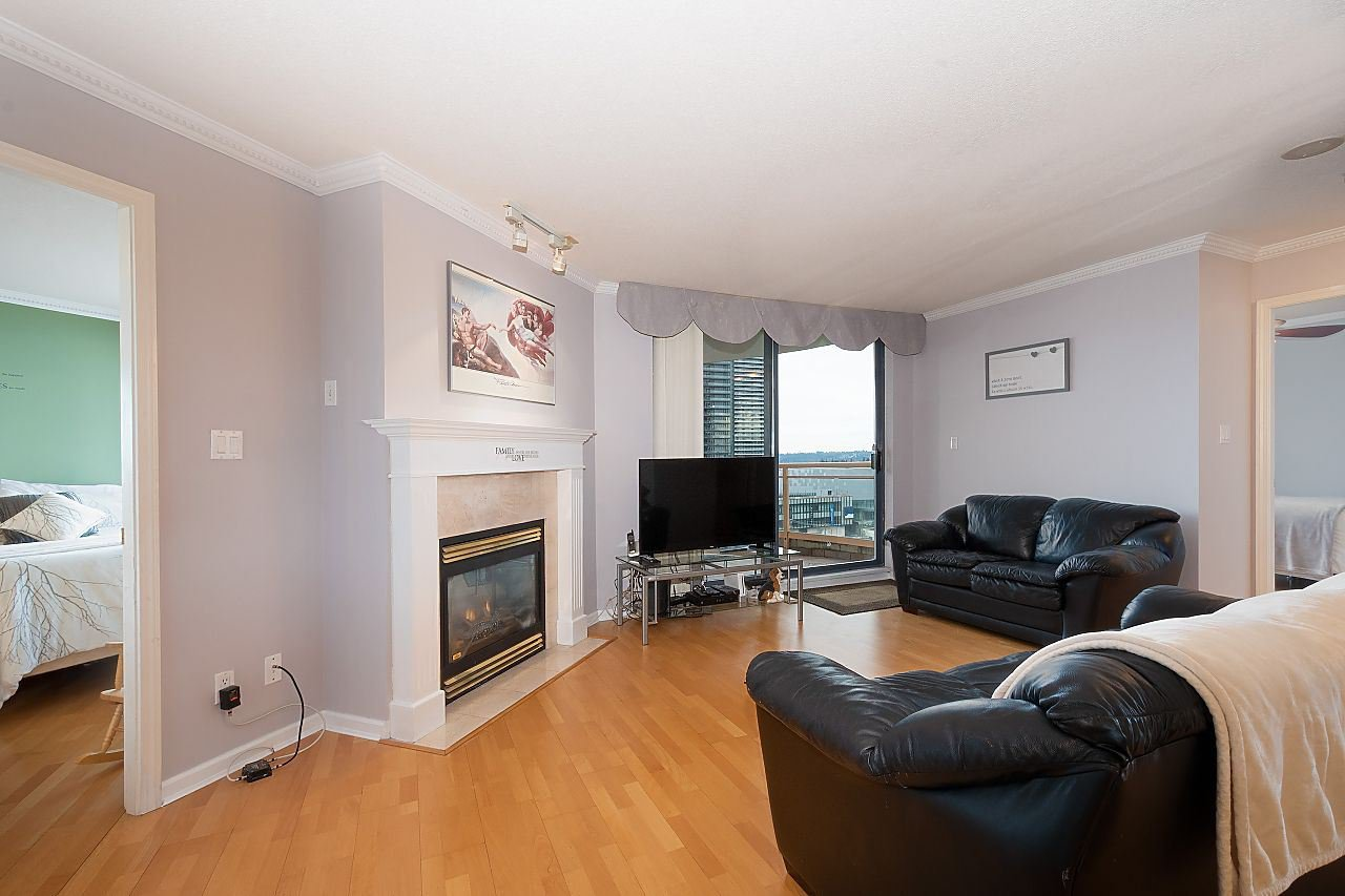 """Photo 2: Photos: 1303 4425 HALIFAX Street in Burnaby: Brentwood Park Condo for sale in """"POLARIS"""" (Burnaby North)  : MLS®# R2444632"""