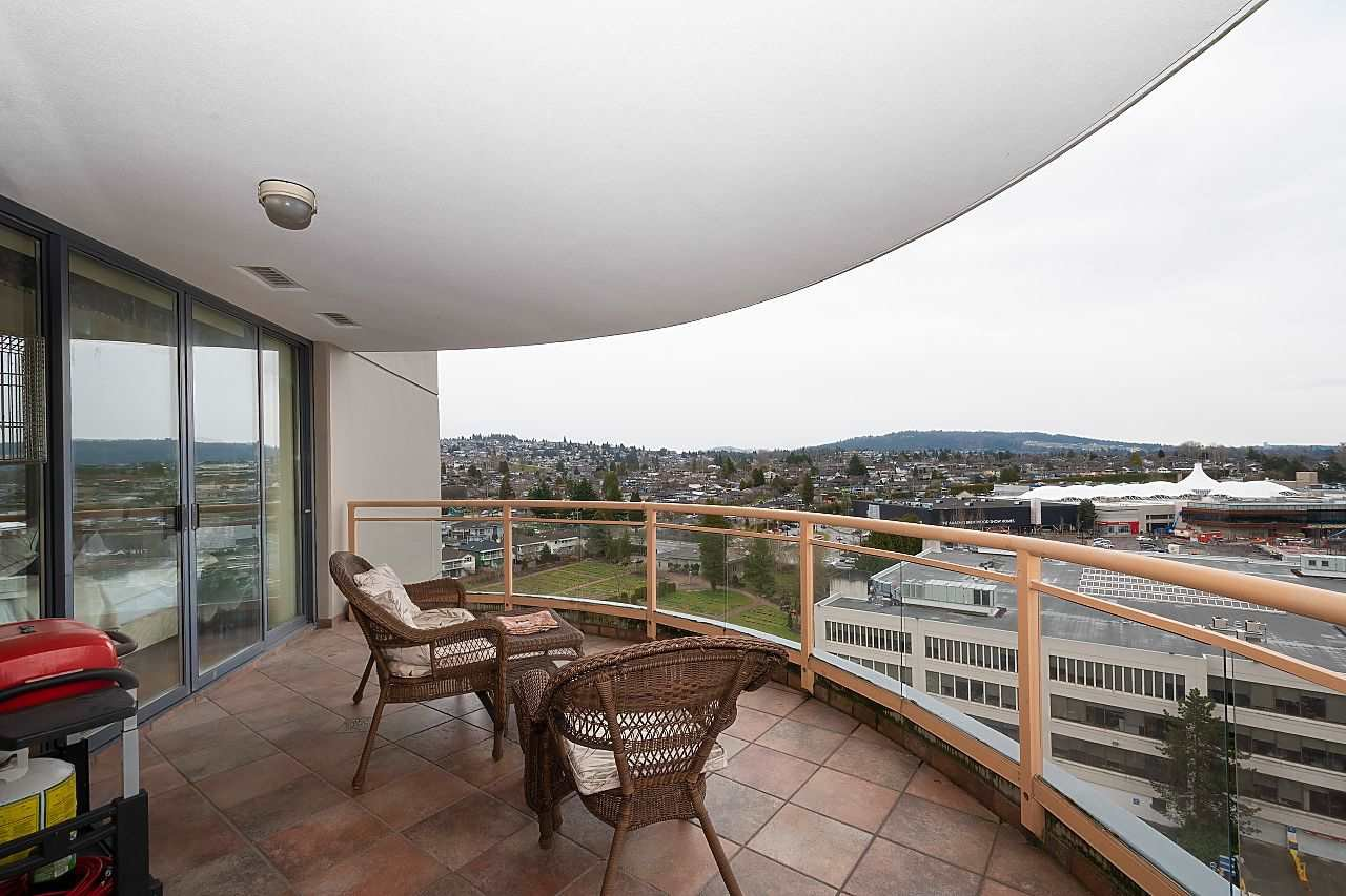 """Photo 13: Photos: 1303 4425 HALIFAX Street in Burnaby: Brentwood Park Condo for sale in """"POLARIS"""" (Burnaby North)  : MLS®# R2444632"""