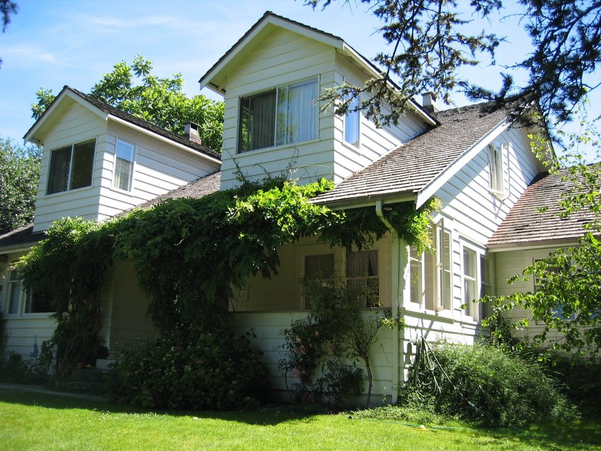 Main Photo: 918 20th Street in West Vancouver: Ambleside Home for sale ()  : MLS®#  V658034