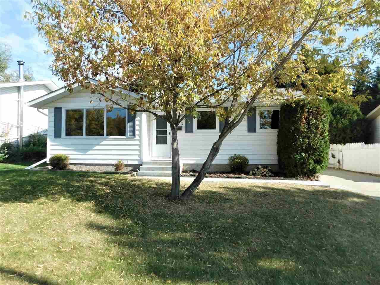 Main Photo: 133 Greengrove Avenue: Sherwood Park House for sale : MLS®# E4216840