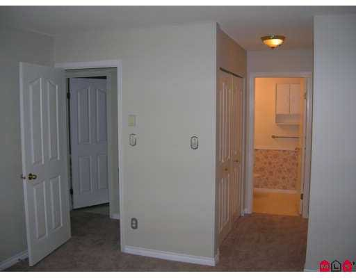 """Photo 6: Photos: 48 5670 208TH Street in Langley: Langley City Townhouse for sale in """"The Meadows"""" : MLS®# F2711605"""