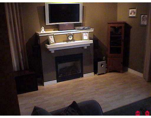 """Photo 7: Photos: 35 18839 69TH Avenue in Surrey: Clayton Townhouse for sale in """"Starpoint II"""" (Cloverdale)  : MLS®# F2726630"""