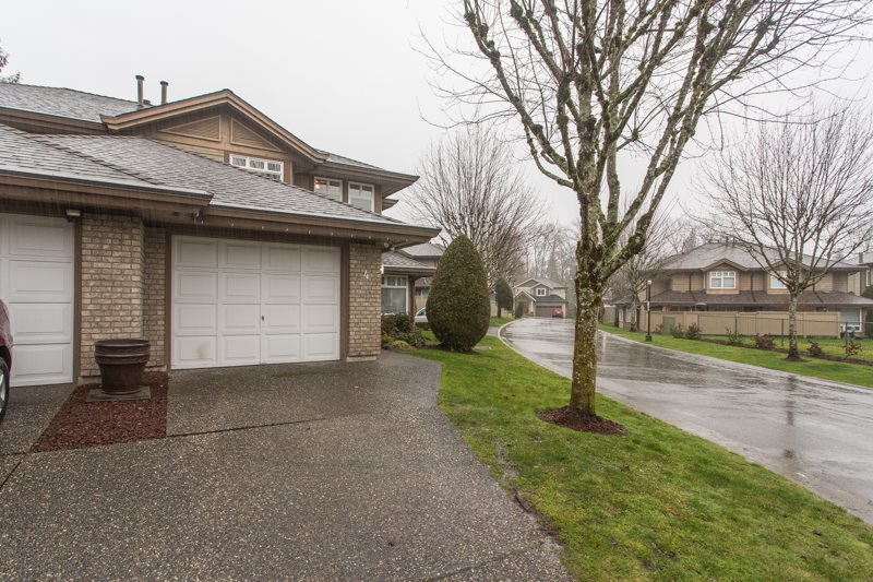 "Main Photo: 4 11737 236 Street in Maple Ridge: Cottonwood MR Townhouse for sale in ""Maplewood Creek"" : MLS®# R2432955"