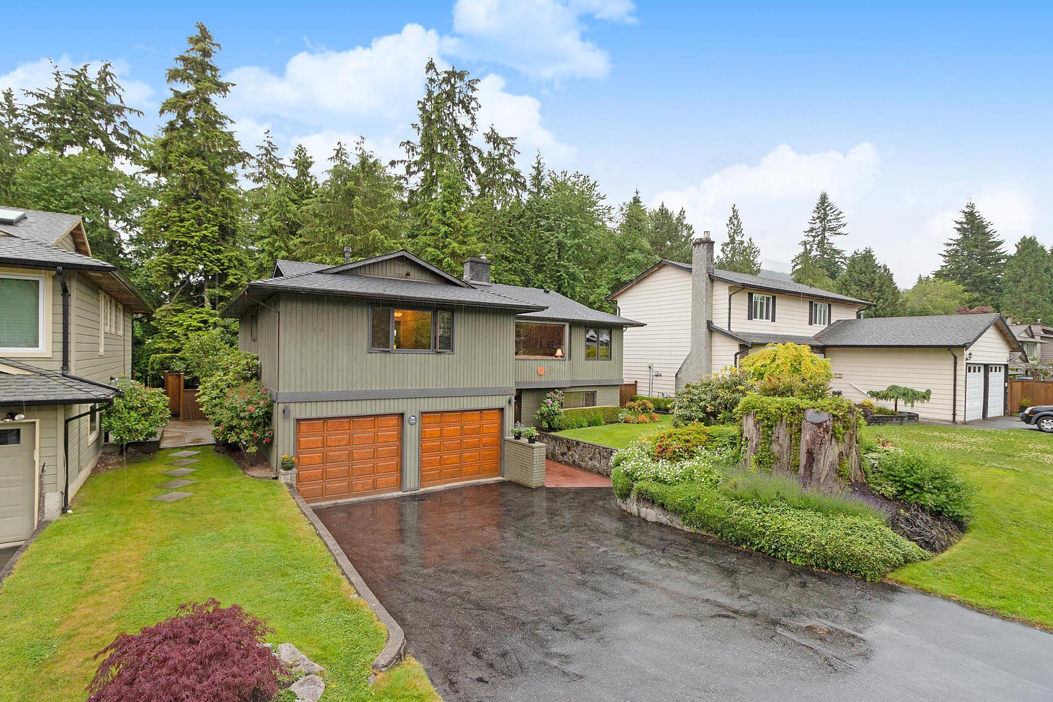 "Main Photo: 3091 HOSKINS Road in North Vancouver: Lynn Valley House for sale in ""Lynn Valley"" : MLS®# R2465736"